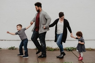 The Worst Parenting Advice From Strangers