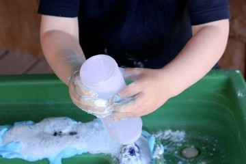 Simple Activities To Do With Toddlers (And Preschoolers) When Stuck Indoors