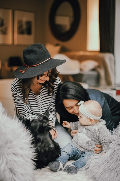Real (And Often Humorous) Ways Working Moms CAN Juggle Family And Careers